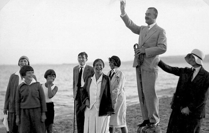 Thomas Mann con su familia en Nidden(1931). Fotografía de Sendker