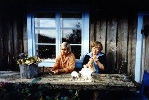 Las artistas Kanerva Cederström y Riikka Tanner en su film Haru, Island of the Solitary (1998). Foto: Festival Punto de Vista