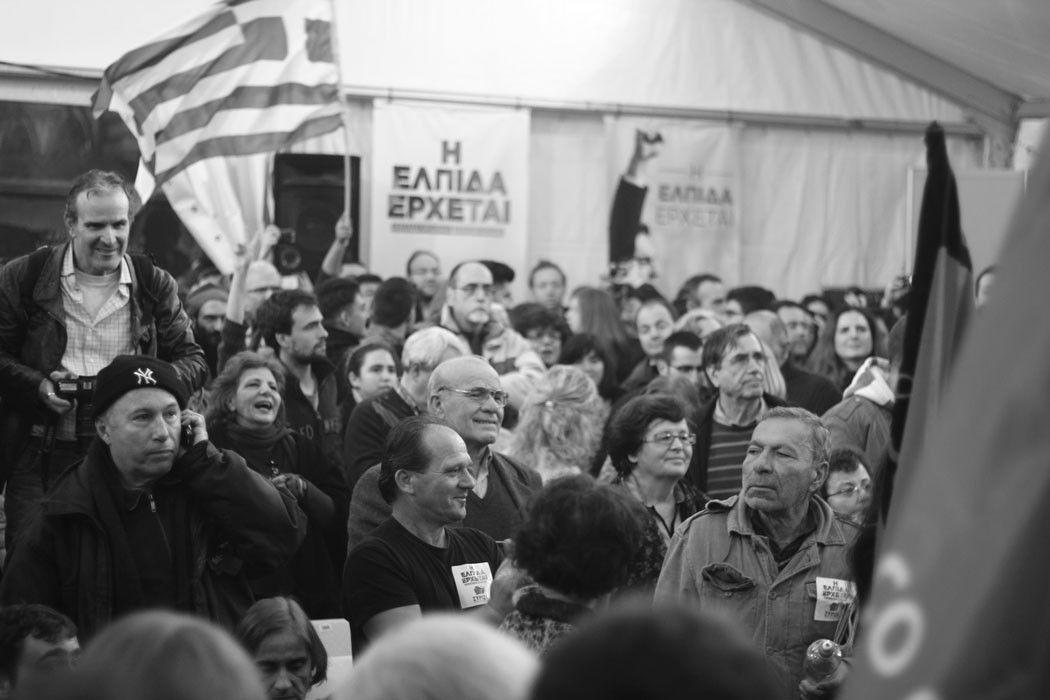 La multitud en la carpa de Syriza. Fotografía de Raquel Souto Rubio