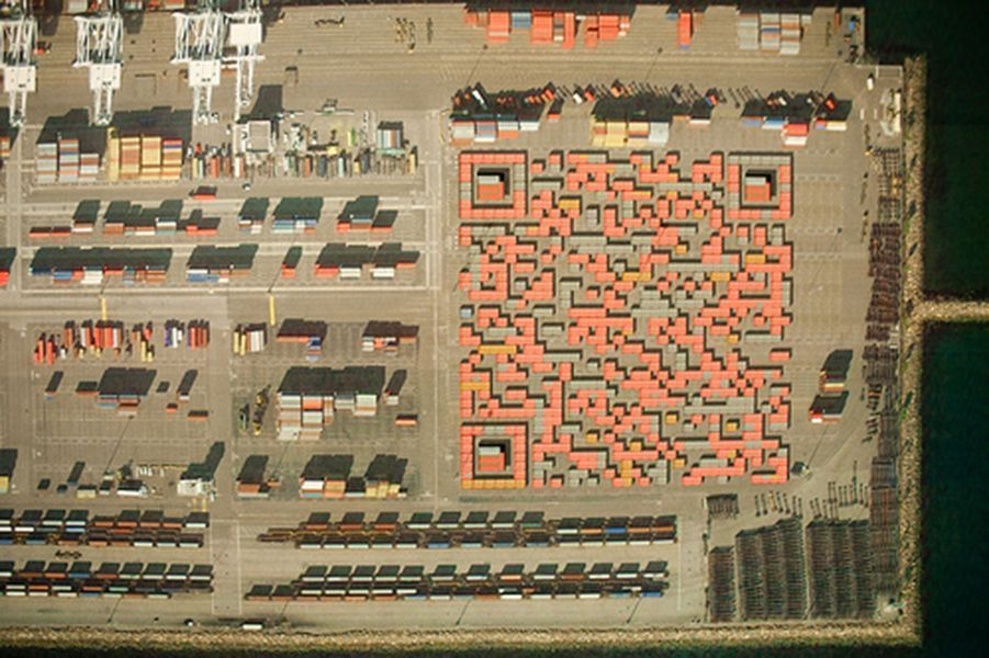 Uso del espacio urbano para crear códigos QR. Foto: Jonathan Rennie CC