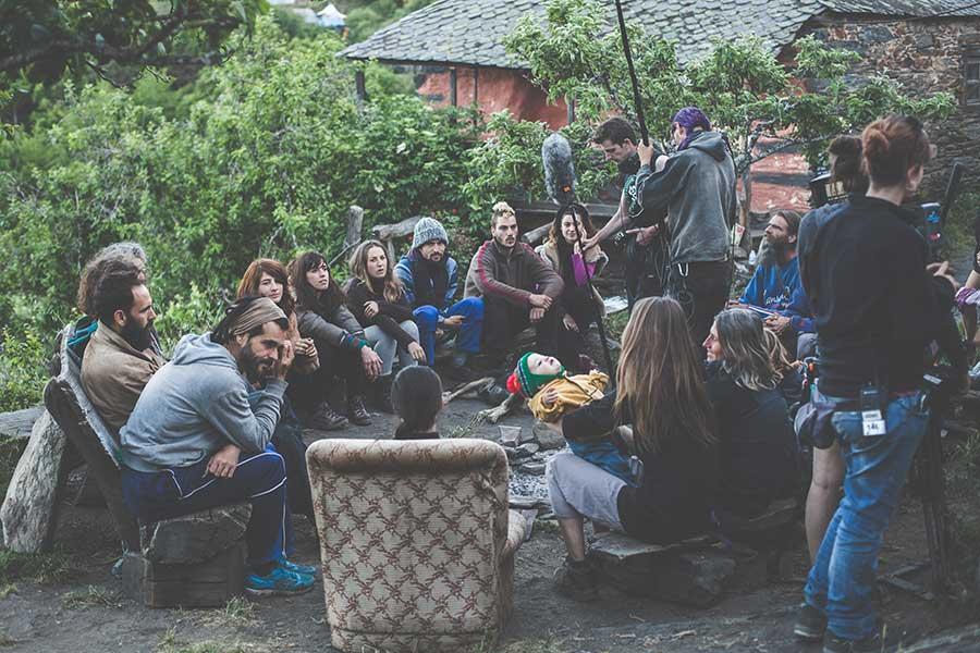 Una de las escenas más difíciles de rodar: la asamblea de habitantes del pueblo. Foto: Zhana Yordanova