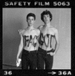Tim Miller (izquierda) y John Bernd (derecha) en Live Boys (1981)