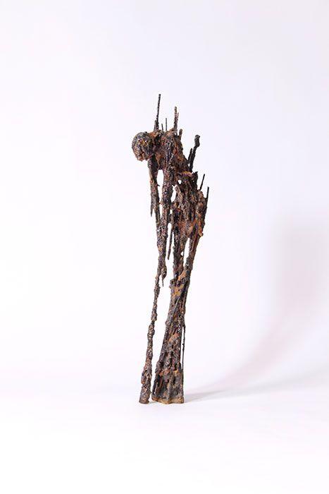'Origen II', 2013. Masilla, hierro, resina 90 x 13 x 18 cm.