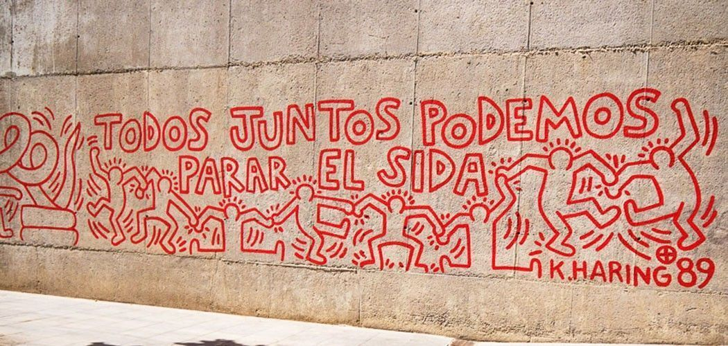 """Sección del mural de Keith Haring en el MACBA de Barcelona: """"Todos podemos parar el sida"""". Foto: Anita Breland."""