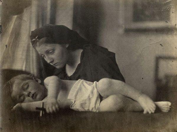 'La sombra de la cruz', Julia Margaret Cameron, 1865.