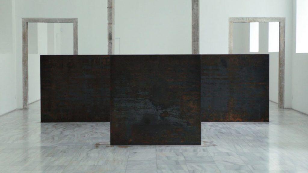 Obra de Richard Serra en el Museo Reina Sofía ,donde tuvo lugar 'Equal elevations'. Foto: Cristina González y Naiara Ruperto