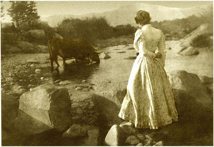 María Goyri en su viaje de novios en tierras del alto Duero haciendo la Ruta del Cid.