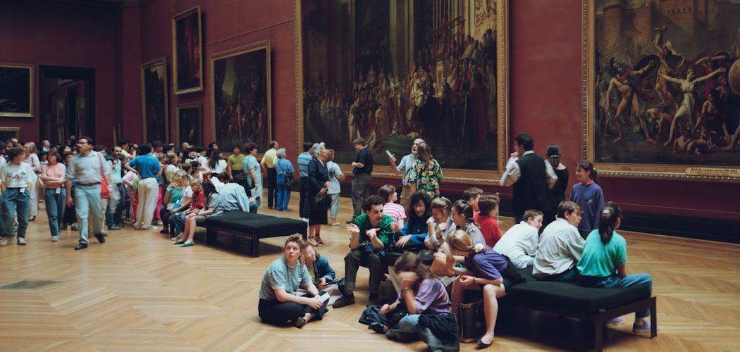 Louvre 1, de la serie Museum Photographs de Thomas Struth, Paris 1989. Foto obtenida de www.thomasstruth32.com