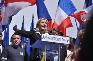La líder del FN, Marine Le Pen. Fuente: Wikicommons.