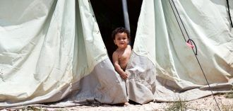 Niño en el campo de Katsikas. Fotografía de María Torán.
